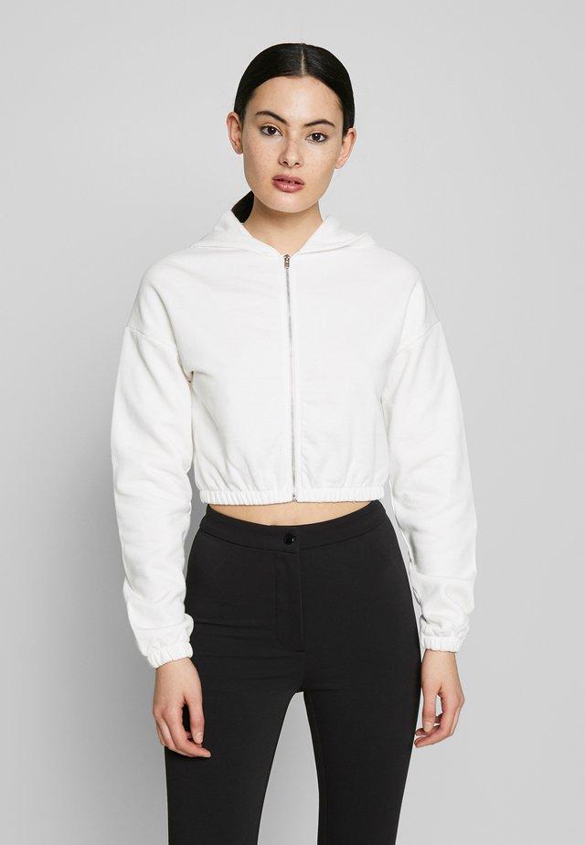 CROPPED ZIP HOODIE - Zip-up hoodie - white