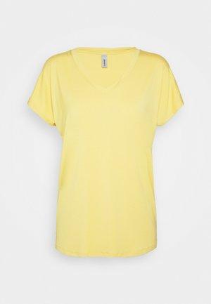 MARICA  - T-shirt basique - yellow