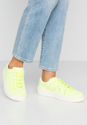 COURB - Baskets basses - bright yellow