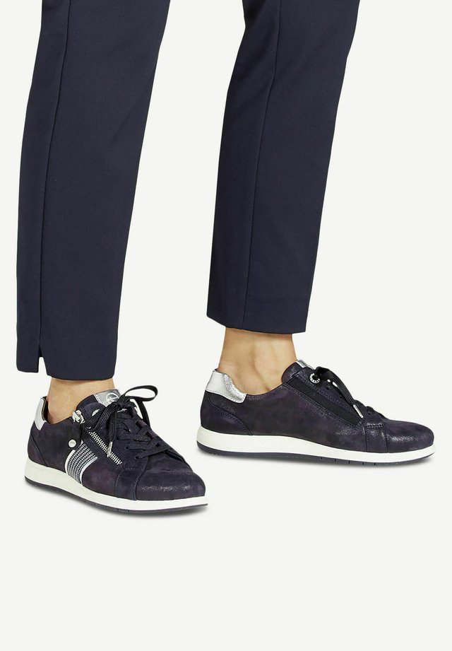 LACE UP - Baskets basses - navy pearl