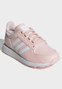 adidas Originals - FOREST GROVE SHOES - Sneakersy niskie - pink - 2