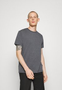 Burton Menswear London - 7 PACK - T-Shirt basic - burgundy - 4