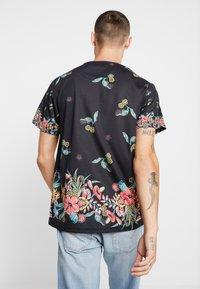 Topman - JAPANESE FLORAL TEE - Print T-shirt - black - 2