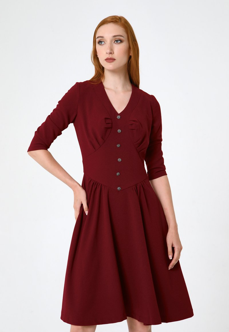 Madam-T - DAISY - Day dress - weinrot