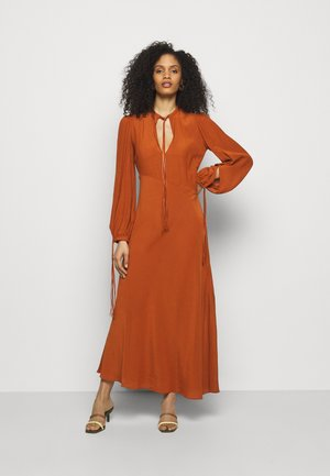 FRONT DETAIL  - Day dress - orange