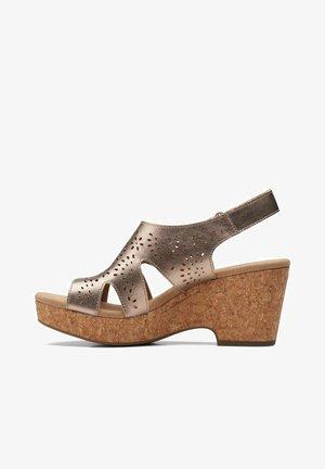 Sandalias de cuña - metallic