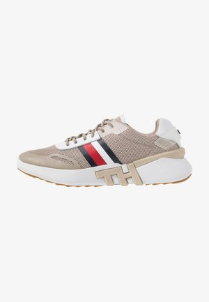 TOMMY SPORTY BRANDED RUNNER - Joggesko - stone
