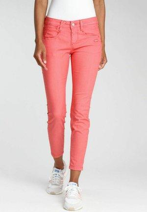 Jeans Skinny Fit - red coral bijou