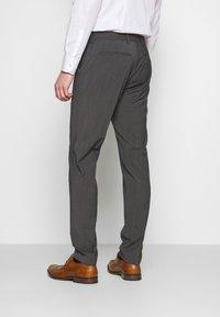 Tommy Hilfiger Tailored - SLIM FIT PEAK LAPEL SUIT - Oblek - grey - 5