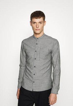 LANGARM - Košile - black