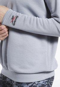 Reebok Classic - CLASSICS HOTEL CREW SWEATSHIRT - Sweatshirt - grey - 3