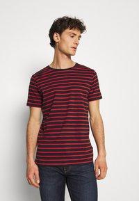 Matinique - JERMANE - Print T-shirt - poinciana - 0