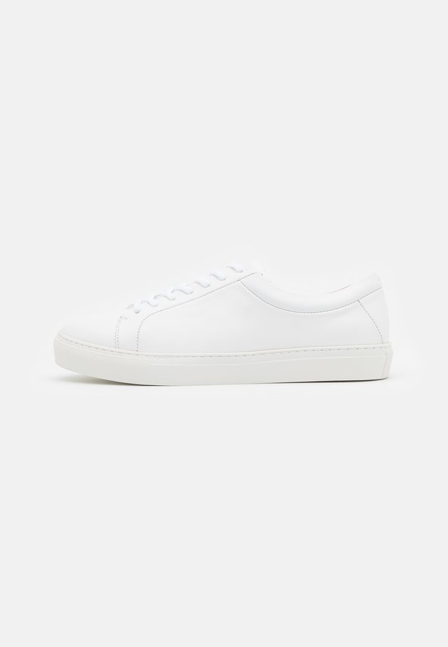 SPARTACUS - Sneakersy niskie - white