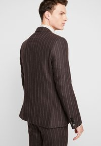 Shelby & Sons - HYTHE SUIT - Traje - brown - 3