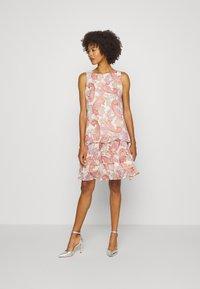 comma - KURZ - Denní šaty - multi-coloured - 1