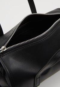 KIOMI - LEATHER - Handbag - black - 4