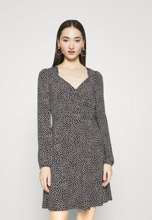 VMNIMUE DETAIL DRESS - Day dress - black