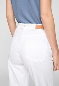 s.Oliver - Trousers - white - 4