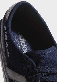 adidas Originals - DELPALA SHOES - Zapatillas skate - blue - 7