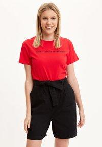 DeFacto - Print T-shirt - red - 0