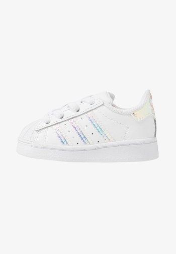SUPERSTAR - Instappers - footwear white