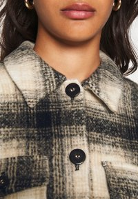 ONLY - ONLLOU CHECK JACKET - Summer jacket - pumice stone/black - 5