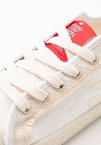 Grand Step Shoes - RILEY - Trainers - white/offwhite - 2