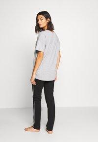 Esprit - GOLDAH  SET - Pyjama set - light grey - 2