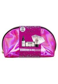 Nyx Professional Makeup - BORN TO GLOW GIFT SET - Makeup set - - - 1