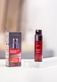 L'Oréal Paris Skin - REVITALIFT LASER X3 SERUM 30ML - Serum - - - 2