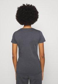 Pepe Jeans - JUNE - Basic T-shirt - steel grey - 2