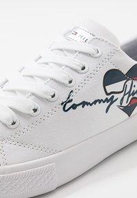 Tommy Hilfiger - Tenisky - white - 2