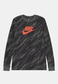 Nike Sportswear - TEE CAMO FUTURA - Maglietta a manica lunga - iron grey - 0