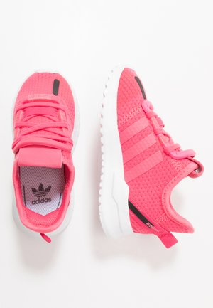 U_PATH RUN - Sneakers laag - real pink/footwear white