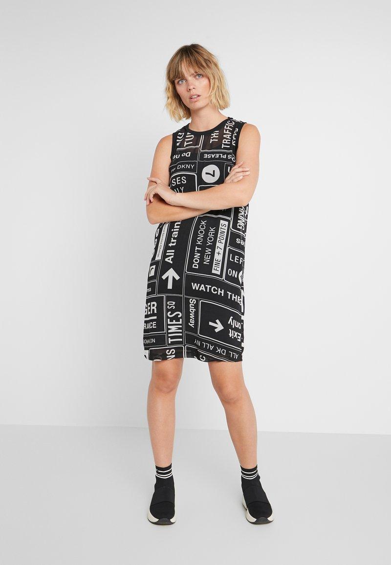 DKNY - SCOOP LONG DRESS - Freizeitkleid - black/white