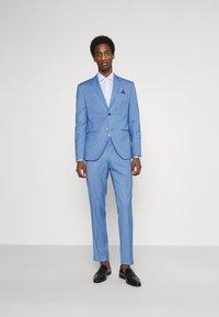 Isaac Dewhirst - SUIT - Suit - blue - 1