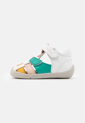 WASABOU - Sandals - blanc/multicolor