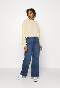 Gina Tricot - EVE  - Sweatshirt - yellow - 1