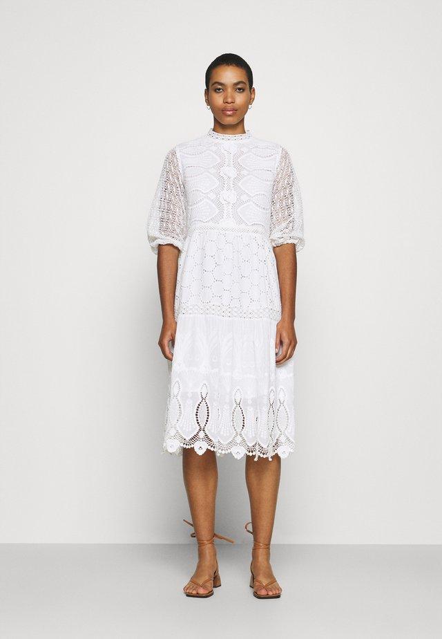 RITOURNELLE - Korte jurk - blanc