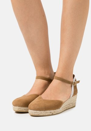 COPITA - Sandały na platformie - camel