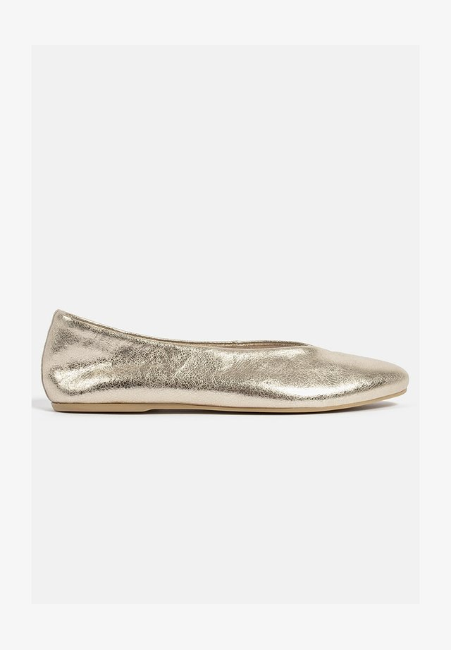 TELL ME ABOUT IT - Ballerines - gold