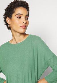 TOM TAILOR DENIM - BATWING TEE - Long sleeved top - vintage green - 4