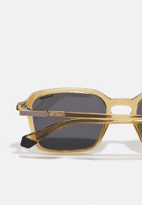 Polaroid - Sunglasses - beige - 4