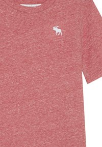 Abercrombie & Fitch - SOLID BASICS - Print T-shirt - red - 2