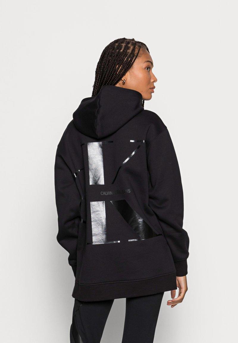 Calvin Klein Jeans - BACK BLOWN UP LOGO HOODIE - Mikina skapucí - black