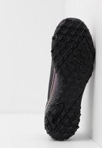 Nike Performance - MERCURIAL JR VAPOR 13 ACADEMY TF UNISEX - Astro turf trainers - black - 5