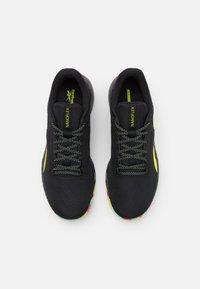 Reebok - NANOFLEX TR - Zapatillas de entrenamiento - core black/footwear white/pure grey - 3