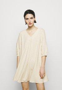 Bruuns Bazaar - SEER ALLURE DRESS - Day dress - sand/white check - 0