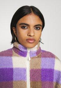Monki - GAIA - Summer jacket - purple/beige - 3