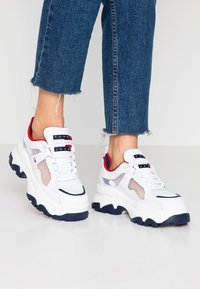 Tommy Jeans - RECYCLED FLATFORM SHOE - Trainers - red/white/blue - 0